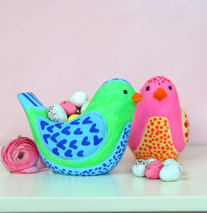 Decorate ceramic birds with POSCA pens