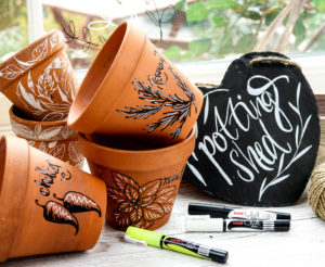 Decorate pots and signs with uni-Chalk pens