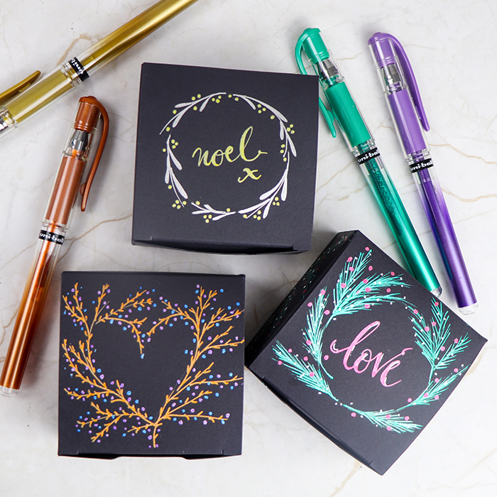 Pretty boxes decorated with SIGNO metallic pens