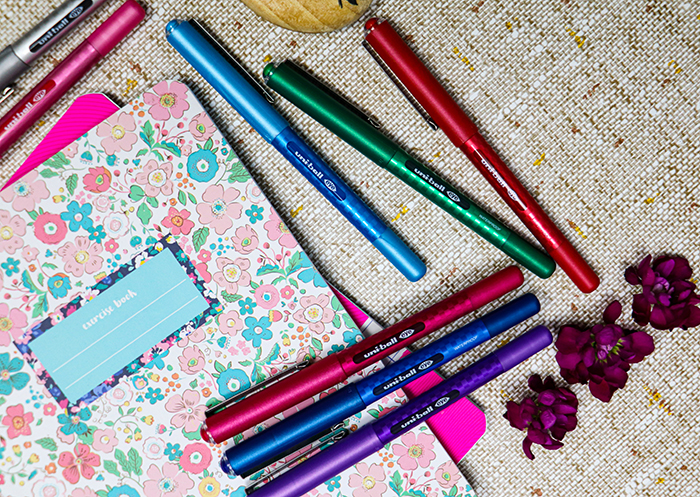 Pen of the month – uni Eye rollerball