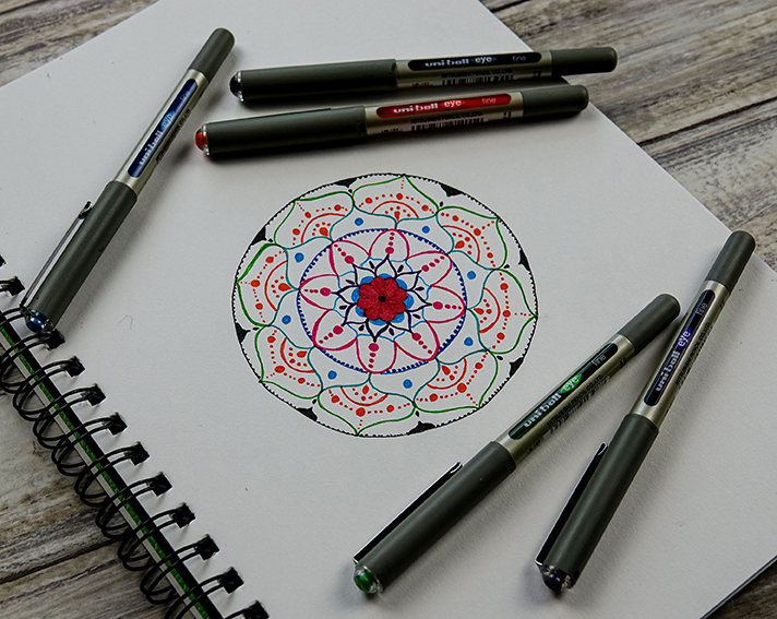 How to make a colourful mandala with Eye Fine pens