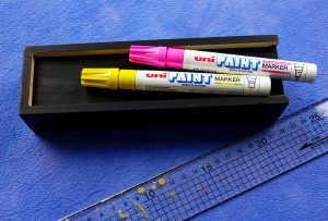 Decorate a wooden pencil box