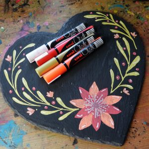 Personalise your table with Uni-Chalk Markers