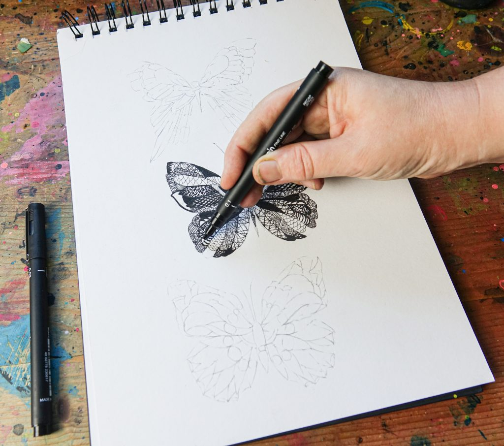 Intricate illustrations with uni-PIN