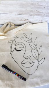 Customise a tote bag with POSCA