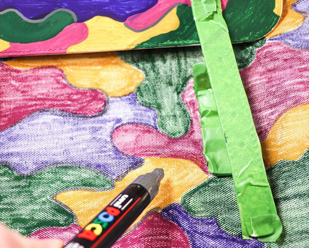 Decorate a bag with POSCA deep