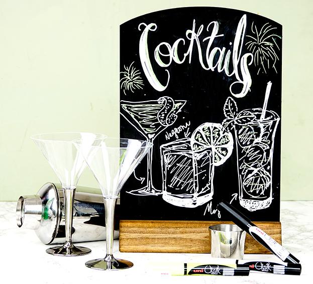 write a cocktail menu with uni chalk pens