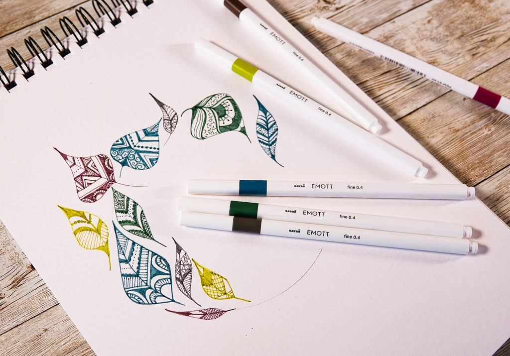Illustrated leaf designs with fineliners